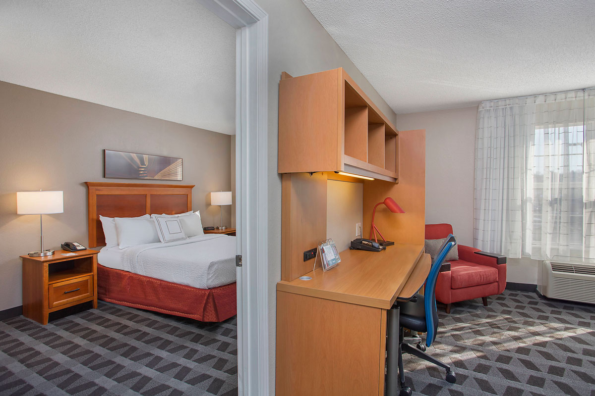 towneplace-suites-knoxville-room